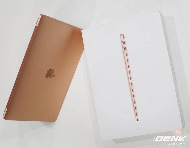 Cận cảnh MacBook Air 2018 vừa về Việt Nam: Nhiều nét tương đồng với MacBook Pro, lần đầu tiên có cảm biến vân tay, giá 37,5 triệu đồng - Ảnh 16.