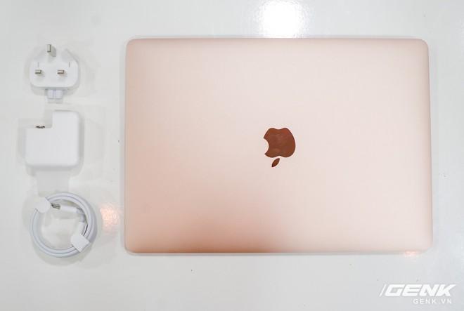 Cận cảnh MacBook Air 2018 vừa về Việt Nam: Nhiều nét tương đồng với MacBook Pro, lần đầu tiên có cảm biến vân tay, giá 37,5 triệu đồng - Ảnh 17.