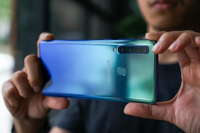 Oppo bất ngờ chọn Huawei làm đối thủ, Galaxy A9 sẽ có đối thủ nào ở tầm giá 12 triệu đây? - Ảnh 6.