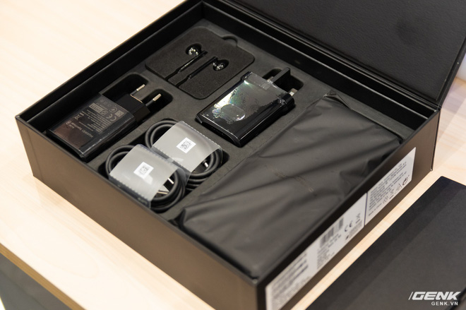 Huawei ra mắt Mate 20 RS Porsche Design tại Việt Nam: hồn Mate 20 Pro, xác siêu sang, giá 44 triệu đồng - Ảnh 4.