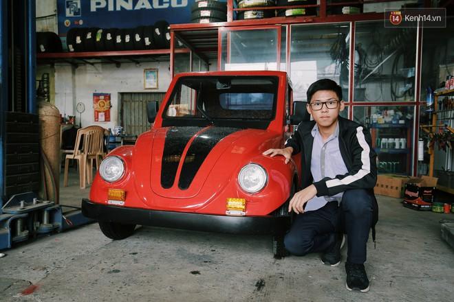 Học sinh lớp 11 Nam Định tự tay chế tạo ô tô điện sạc bằng năng lượng mặt trời: Xe lội nước thoải mái, ai cũng lái được! - Ảnh 4.