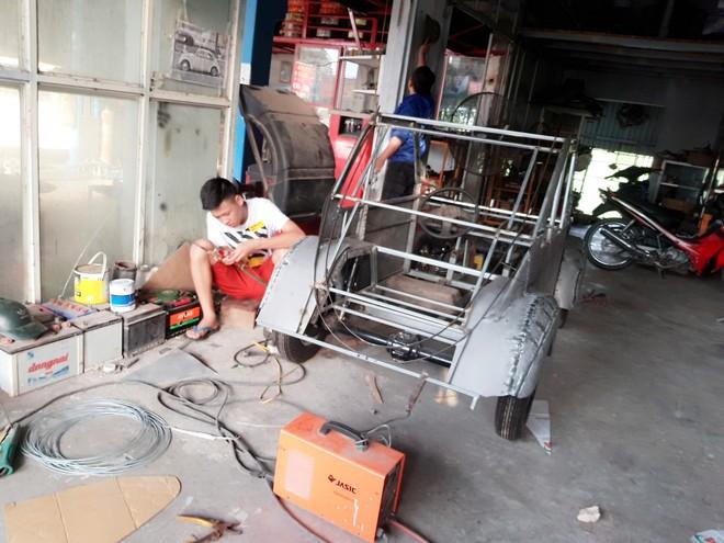Học sinh lớp 11 Nam Định tự tay chế tạo ô tô điện sạc bằng năng lượng mặt trời: Xe lội nước thoải mái, ai cũng lái được! - Ảnh 7.