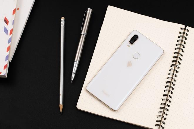 Smartphone Vsmart ra mắt với giá từ 2.5 đến 6.3 triệu, cạnh tranh trực tiếp với điện thoại Trung Quốc - Ảnh 2.