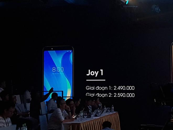 Smartphone Vsmart ra mắt với giá từ 2.5 đến 6.3 triệu, cạnh tranh trực tiếp với điện thoại Trung Quốc - Ảnh 7.