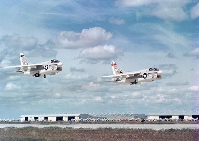 Điểm danh 5 mẫu máy bay quân sự trông xấu tệ nhưng hiệu quả cực cao - Ảnh 6.