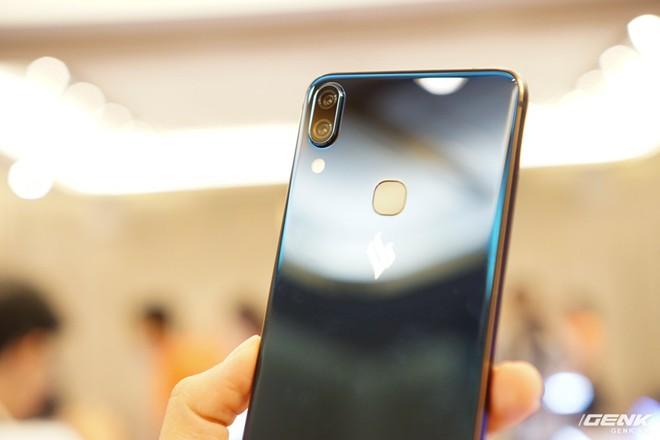 Cận cảnh 4 smartphone Vsmart vừa được ra mắt: thiết kế hiện đại, cấu hình ổn, giá từ 2,49 triệu - Ảnh 4.