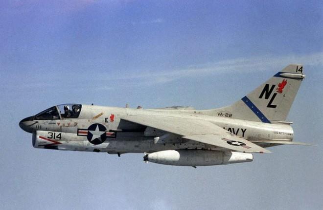 Điểm danh 5 mẫu máy bay quân sự trông xấu tệ nhưng hiệu quả cực cao - Ảnh 7.