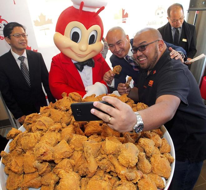 Câu chuyện về Jollibee - thủ phạm khiến đế chế McDonalds mất 40 năm vẫn không thể đứng số 1 tại Philippines - Ảnh 8.