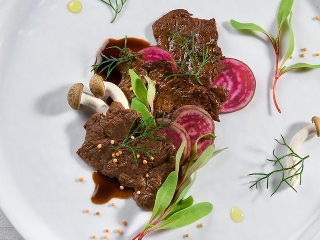 Startup Israel tuyên bố làm được bò bít tết nhân tạo, chi phí 50 USD/miếng, vị y như bò thật - Ảnh 2.