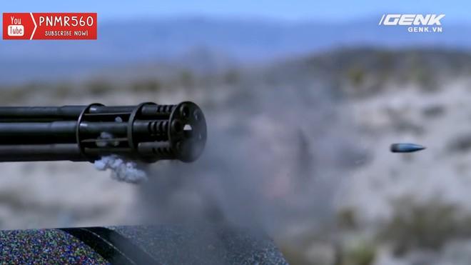 [Vietsub] Gắn súng máy Vulcan nòng xoay bắn 6600 vòng/phút lên nóc xe Toyota Prius thì sẽ thế nào? - Ảnh 6.