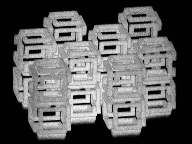 Các nhà khoa học MIT sáng tạo ra công nghệ thu nhỏ vật thể xuống mức nano, chẳng khác gì bảo bối Doraemon - Ảnh 2.