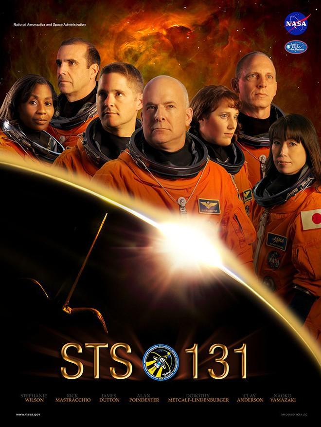 Hóa ra NASA có làm poster cho các sứ mệnh không gian, tiếc là thiết kế hơi vô duyên - Ảnh 3.