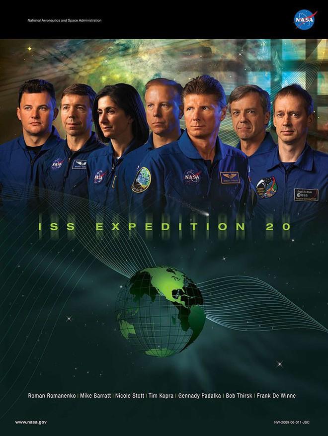 Hóa ra NASA có làm poster cho các sứ mệnh không gian, tiếc là thiết kế hơi vô duyên - Ảnh 16.