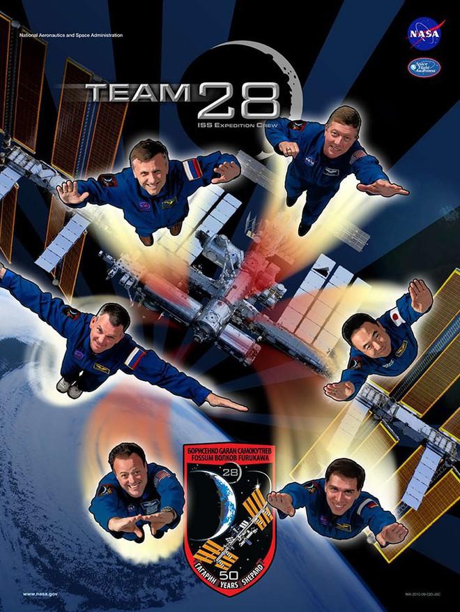Hóa ra NASA có làm poster cho các sứ mệnh không gian, tiếc là thiết kế hơi vô duyên - Ảnh 19.