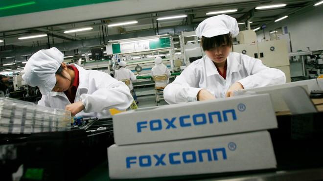 Nhu cầu lắp ráp smartphone suy giảm, Foxconn dự định mở nhà máy sản xuất chip ở Trung Quốc - Ảnh 2.