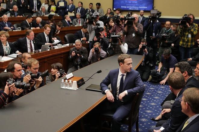 Nhìn nhận lại đi: Facebook sinh ra không phải để phục vụ bạn đâu - Ảnh 1.