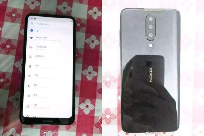 Smartphone Nokia bí ẩn lộ diện, màn hình tràn cạnh trên, không tai thỏ, 3 camera sau - Ảnh 1.