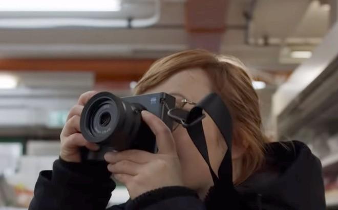Cận cảnh ZX1 - mẫu máy ảnh đầu tiên của hãng ống kính danh tiếng Zeiss - Ảnh 4.