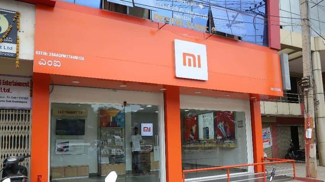 Để củng cố vị thế trước Samsung, Xiaomi dự định tăng gấp 10 lần số cửa hàng tại Ấn Độ - Ảnh 2.