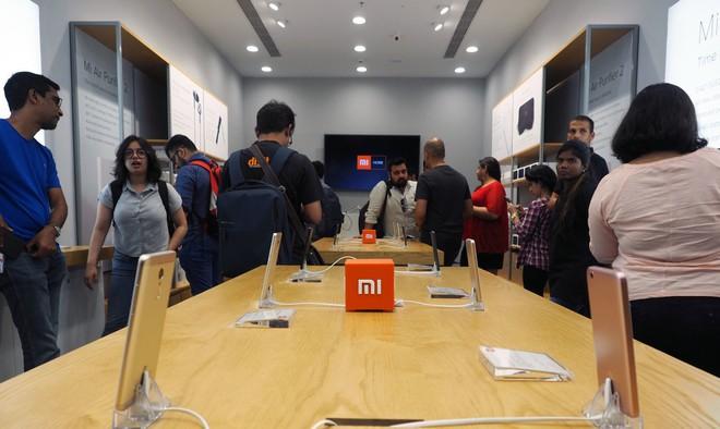 Để củng cố vị thế trước Samsung, Xiaomi dự định tăng gấp 10 lần số cửa hàng tại Ấn Độ - Ảnh 1.