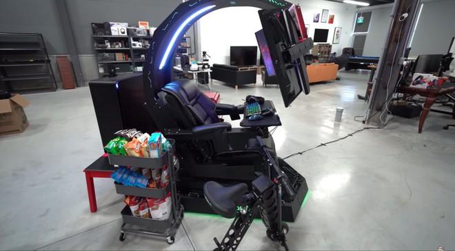 Chiêm ngưỡng cỗ máy mang lại trải nghiệm chơi game tối thượng có giá tới gần 700 triệu của chủ kênh YouTube Unbox Therapy - Ảnh 1.