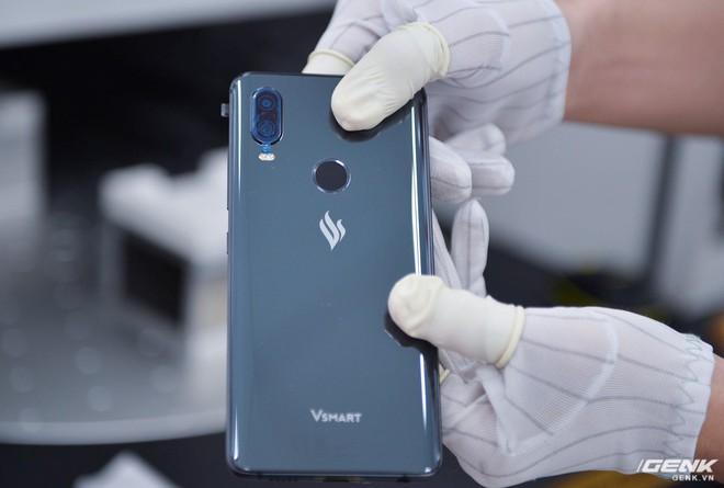 Những hình ảnh đầu tiên về Vsmart Active 1 và Vsmart Joy 1: Hai trong số bốn mẫu smartphone sắp ra mắt của Vingroup - Ảnh 2.
