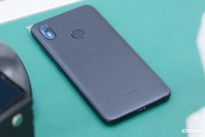 Những hình ảnh đầu tiên về Vsmart Active 1 và Vsmart Joy 1: Hai trong số bốn mẫu smartphone sắp ra mắt của Vingroup - Ảnh 5.