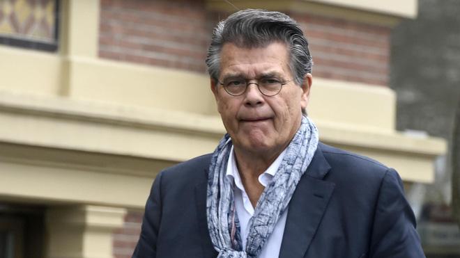 Bị tòa án Hà Lan bác bỏ yêu cầu giảm 20 tuổi để chơi Tinder, ông chú 69 tuổi quyết tâm kháng cáo - Ảnh 1.
