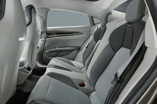 Xe điện concept e-tron GT của Audi sẽ xuất hiện trong Avengers 4, có thể do Tony Stark cầm lái - Ảnh 9.