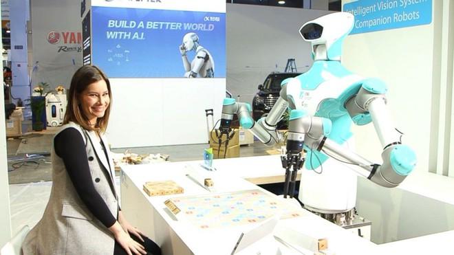 [CES 2018] Robot này có khả năng chơi xếp chữ cực giỏi, chiến thắng cả con người - Ảnh 1.