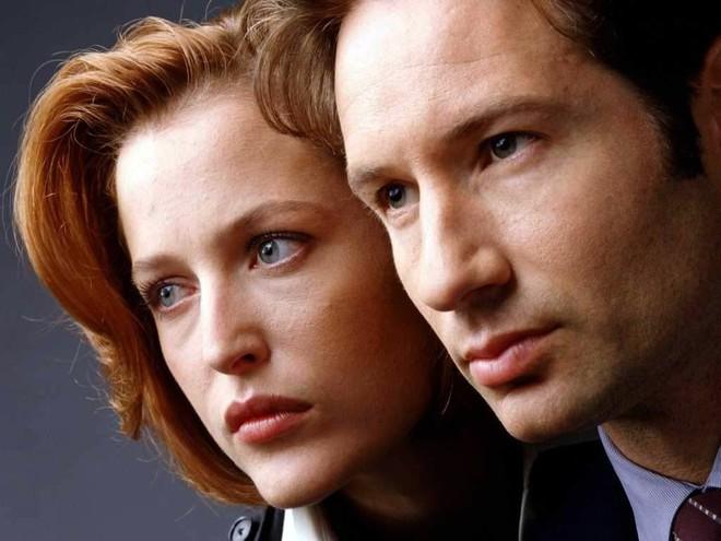 Buổi chụp hình của phim X-Files từ năm 1993 vẫn khiến Internet 2018 phát hoảng vì quá dị - Ảnh 2.