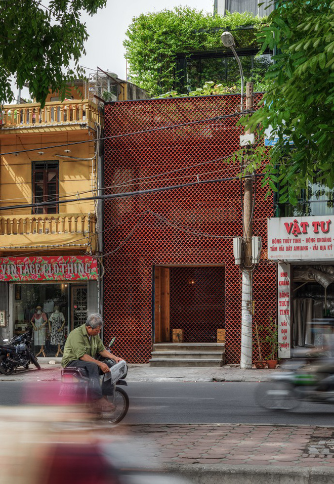 Quán cà phê cá Koi do KTS Việt Nam thiết kế đoạt Giải thưởng xây dựng của năm 2018 do ArchDaily bình chọn - Ảnh 12.