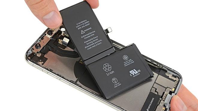 Viên pin của iPhone X có dạng chữ L và bao gồm hai cell