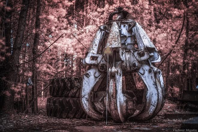 Đầu máy cẩu này từng được dùng để dọn dẹp phần mái của lò phản ứng bị hỏng sau sự cố Chernobyl.