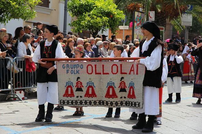 Để tránh trở thành thị trấn ma, ngôi làng Italia quyết định bán nhà với giá 1 euro - Ảnh 2.
