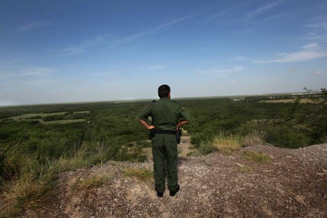 Laredo, Texas là khu vực gần với biên giới Mỹ - Mexico.