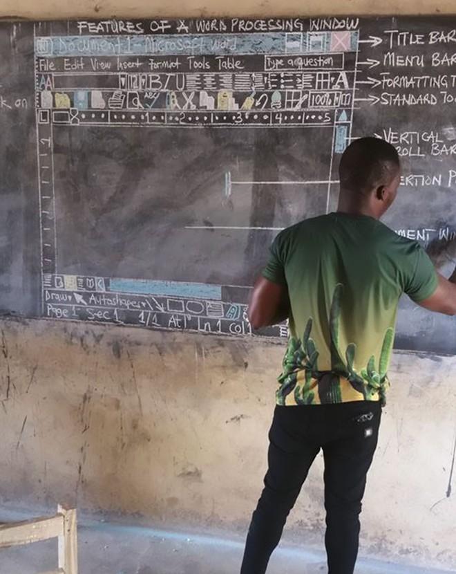Cách giáo viên tin học ở Ghana vượt qua cảnh thiếu thốn cơ sở vật chất để giảng dạy khiến Internet xúc động - Ảnh 3.