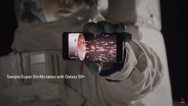 T-Mobile không quên giới thiệu tính năng quay phim Super Slow-mo 960 fps trên Galaxy S9