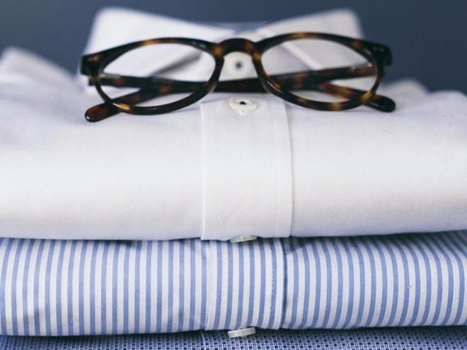 Những chiếc áo của Twillory sử dụng vải co giãn bốn chiều, chống nhăn, nói không với bàn là.
