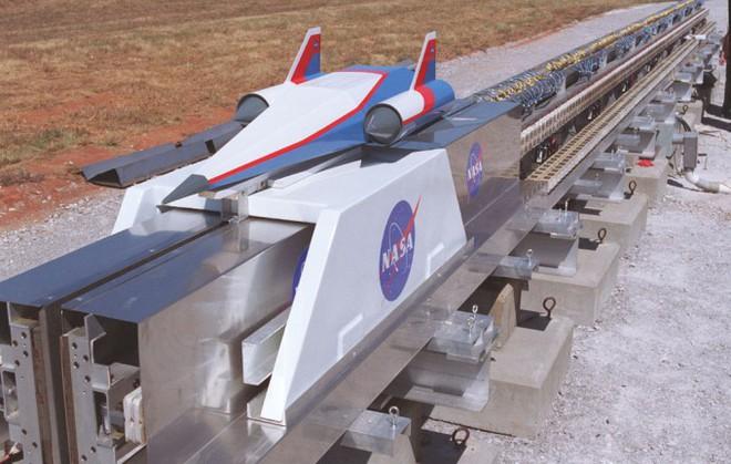 SpinLaunch: Startup sử dụng máy bắn đá để phóng tàu Vũ trụ gây quỹ được 30 triệu USD - Ảnh 5.