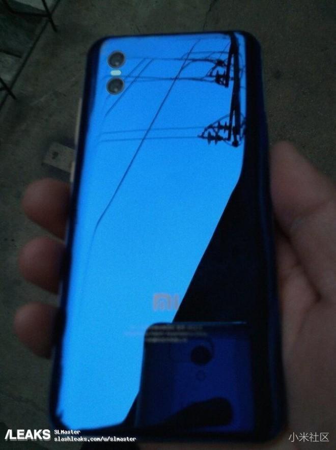 Xiaomi Mi 7 lộ diện với màn hình chiếm trọn mặt trước và mặt sau bằng kính bóng bẩy - Ảnh 2.