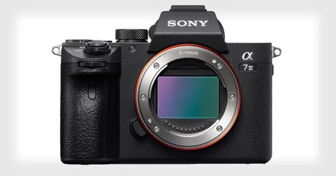 Sony A7 III ra mắt: Cảm biến Full Frame 24 MP, quay video 4K, thừa hưởng nhiều công nghệ từ A7R III - Ảnh 1.