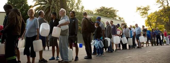 Cape Town, Nam Phi đang dần cạn kiện nước, doanh nhân bán hàng online chớp thời cơ để kiếm lời - Ảnh 5.