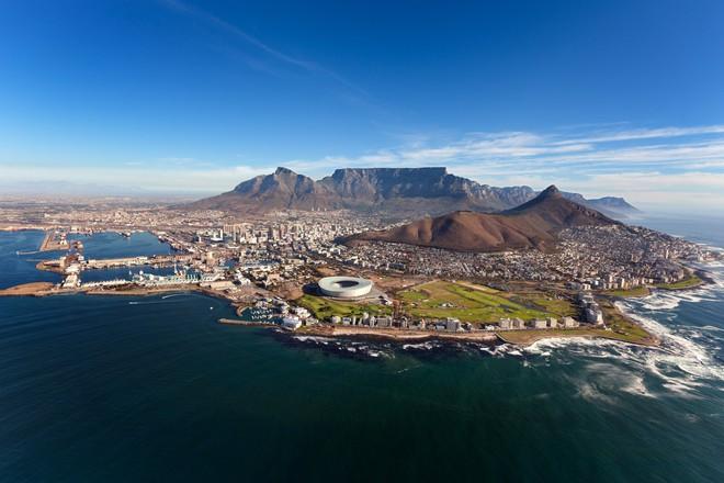 Cape Town, Nam Phi đang dần cạn kiện nước, doanh nhân bán hàng online chớp thời cơ để kiếm lời - Ảnh 1.
