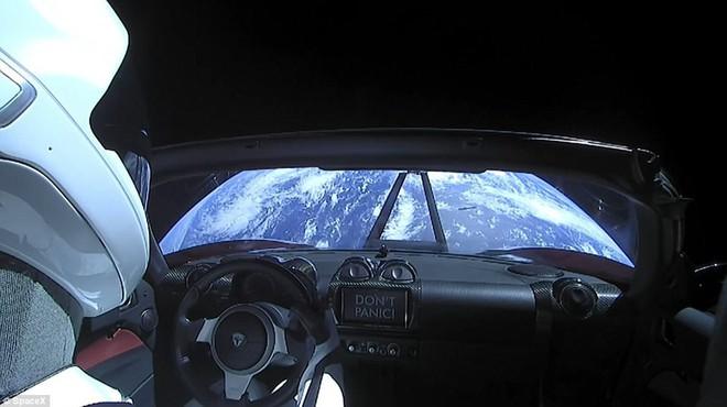 Hành trình của Starman - kẻ du hành đơn độc giữa vũ trụ, đem theo giấc mơ điên rồ của Elon Musk - Ảnh 3.