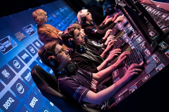 Hiệu năng máy đóng vai trò quan trọng đối với game thủ nói chung và lĩnh vực eSport nói riêng.