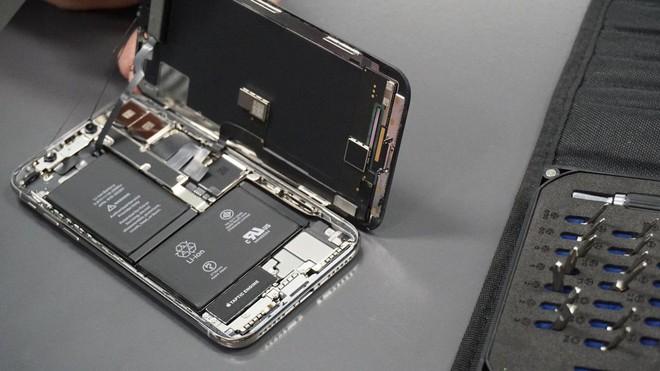Dự luật mới tại bang California sẽ buộc Apple phải giải thích vì sao họ lại không cho phép người dùng và tự ý sửa chữa thiết bị của mình.