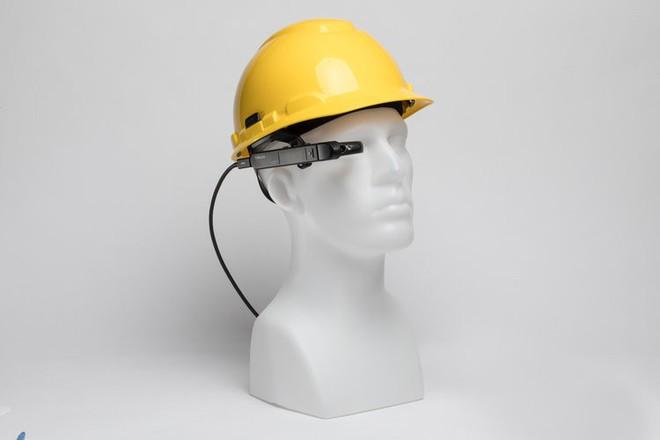 Chiếc kính với khả năng chiếu hệ điều hành Windows này sẽ thay thế laptop trong tương lai không xa - Ảnh 6.