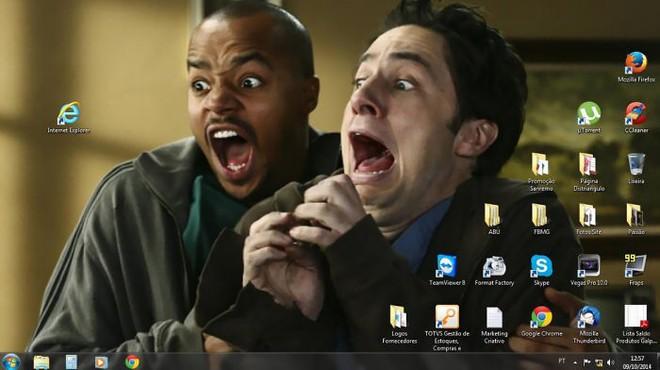 [Vui] Tổng hợp loạt hình nền máy tính hài hước nhất, Internet Explorer chuyên bị bắt nạt - Ảnh 2.