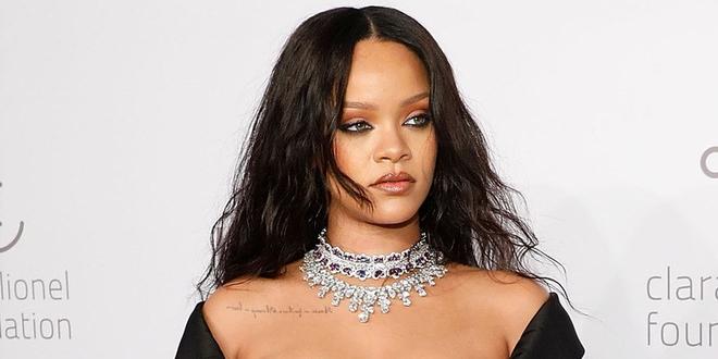 Ca sĩ Rihanna lên tiếng chỉ trích Snapchat cổ xuý nạn bạo hành trong gia đình, 600 triệu USD giá trị vốn hoá của Snap lập tức bốc hơi - Ảnh 1.